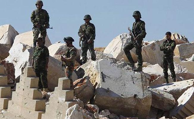 Rakka'nın güneyinde 300 askerden haber alınamıyor