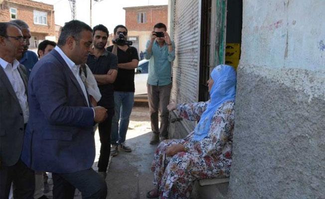 Sur'u ziyaret eden Sezgin Tanrıkulu: AKP dozer ve TOMA iktidarına dönüştü
