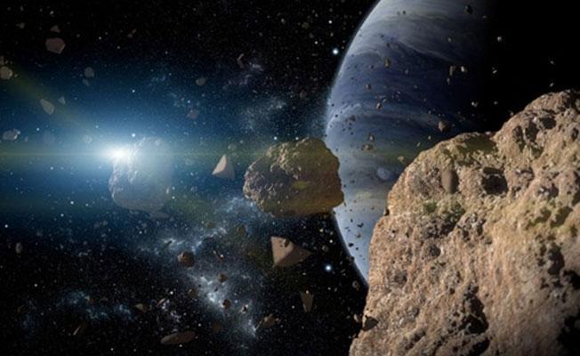 Tarihin en büyük asteroidi Dünya'ya yaklaşıyor