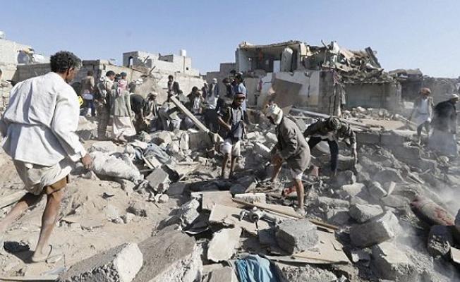 Yemen'de otele hava saldırısı: Onlarca ölü var!