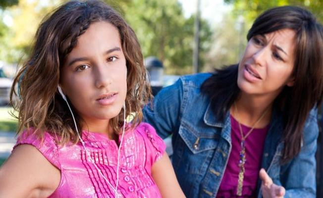 14 yaşındaki her dört kız çocuğundan birinde depresyon görülüyor