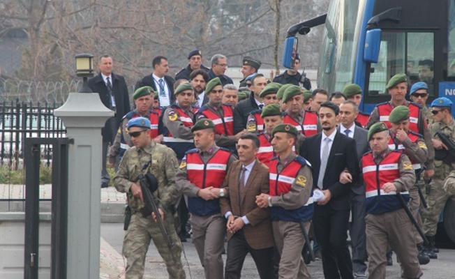 15 Temmuz'da Erdoğan'ı koruyan bazı polisler FETÖ'den tutuklandı