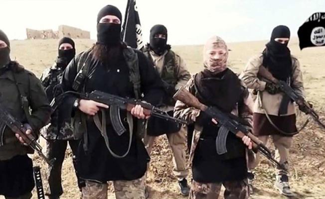 Guardian: Eski IŞİD militanları sınırdan Türkiye'ye geçiyor
