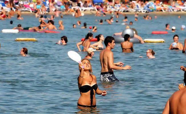 Antalya bu yıl 8 milyon turist çıtasını aştı