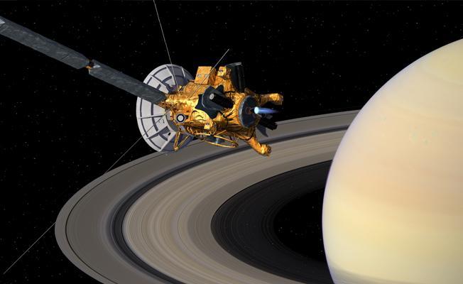 Cassini 'ölüm dalışına' başladı