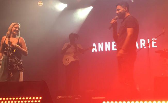 Cizreli Mehmet ile Anne Marie İstanbul'da sahnede düet yaptı