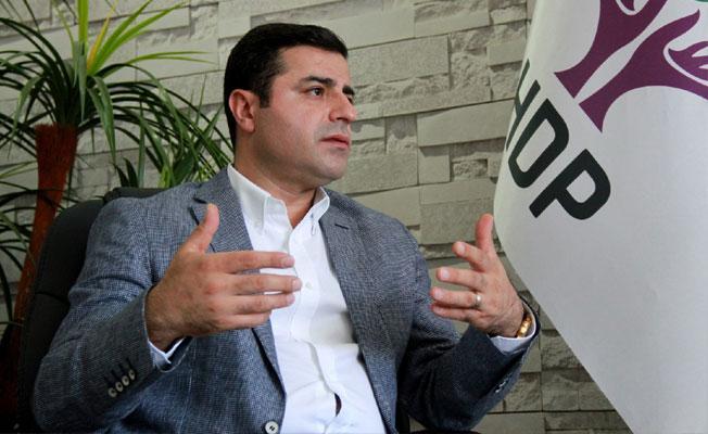 DTK Eş Başkanı Güven'e Demirtaş fotoğrafı nedeniyle 3 ay hapis
