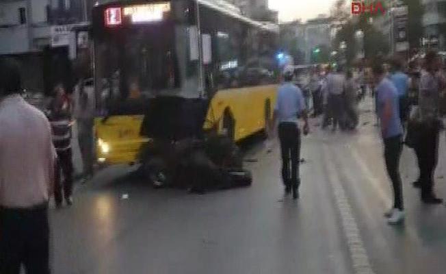 Kadıköy'de kaza: Ölü ve yaralılar var