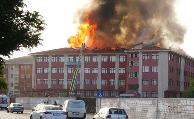 Konya'da kız öğrenci yurdunda yangın