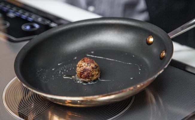 Laboratuvarda yüzde 100 gerçek et üretildi