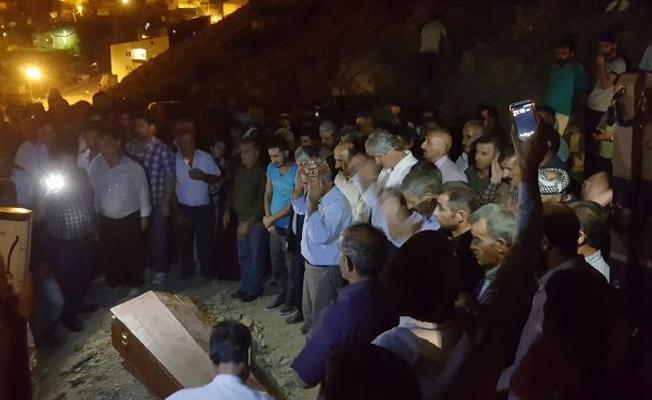 HDP'li Botan: Cenaze için ambulans verilmedi, cami açılmadı
