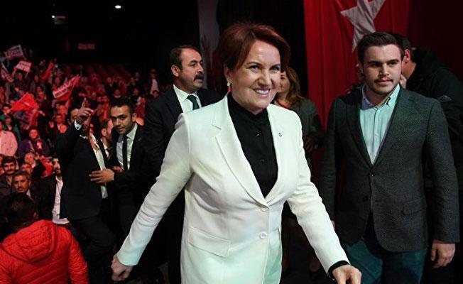 Meral Akşener partisinin kurucular kurulunun bir bölümünü açıkladı