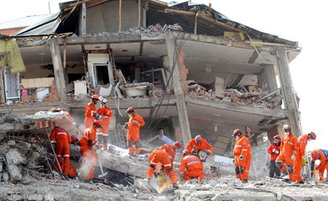 Prof. Ahmet Ercan: 10 gün içerisinde büyük bir deprem olabilir