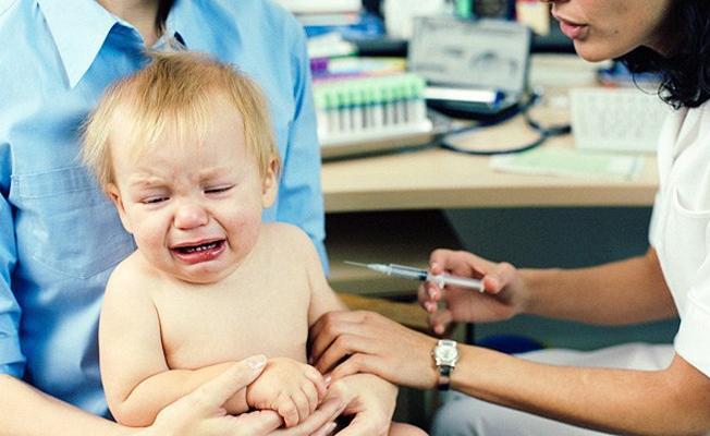 Tüm çocukluk aşıları tek bir iğnede yapılabilir