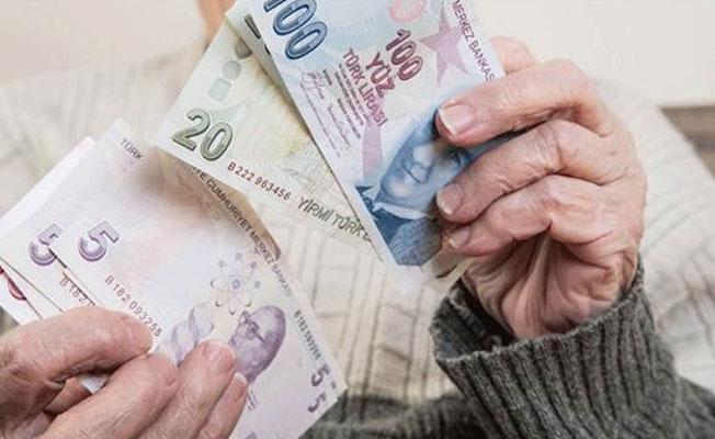 Emeklilerin yeni zam oranı belli oldu