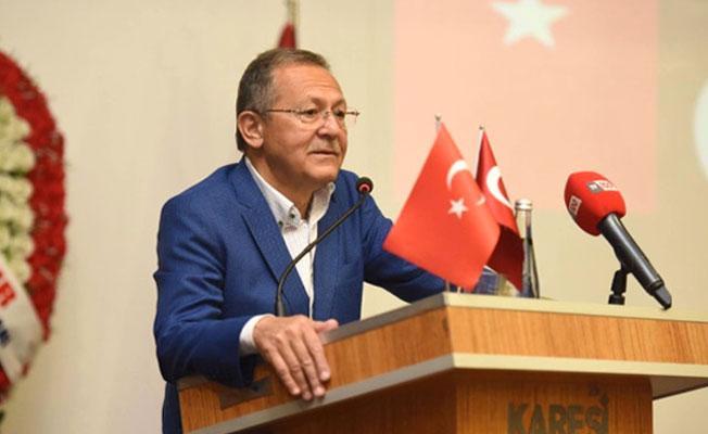 AKP'li başkan ağlayarak istifa etti: Tehdit ve baskılar aileme kadar ulaştı