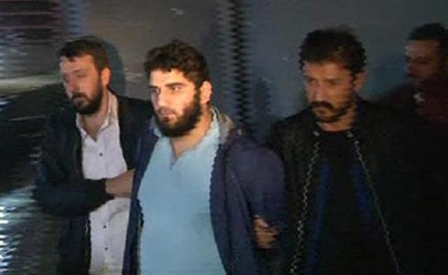 Ataşehir'de bir kadına önce omuz, sonra yumruk atan saldırgan yakalandı