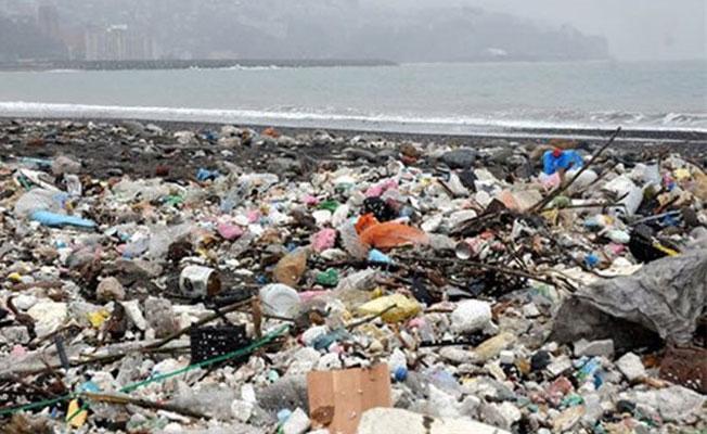 Denizden çöp yığını çıktı