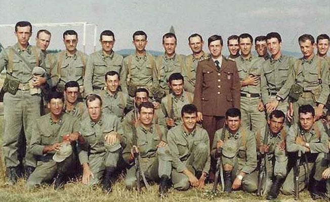 DHA, Erdoğan'ın askerlik fotoğrafını 'çakı gibi asker' diye servis etti