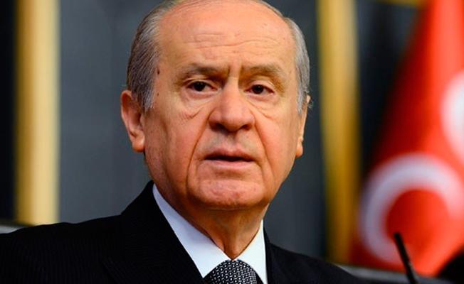 'HDP Eş Başkanı'nı sazıyla ekrana çıkarıp türkü söyletenler MHP'ye takmışlardır'