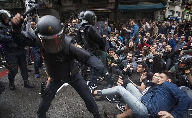 Katalonya'da oteller İspanyol polislerini dışarı attı