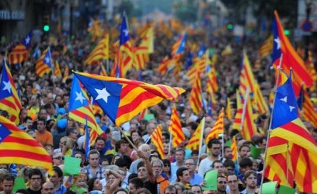 Katalonya hükümetinden halka: Evde hazırladığınız oy pusulalarını kullanabilirsiniz