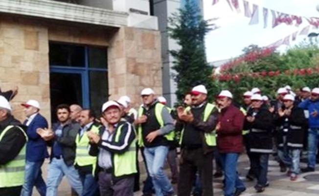 Maaşlarını alamayan işçiler Avcılar Belediyesi'ne yürüdü