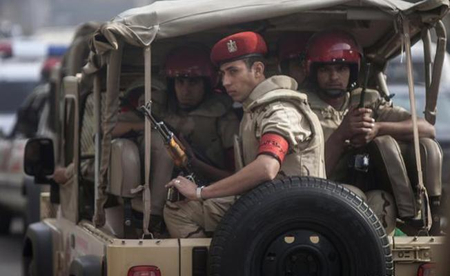 Mısır'da polis konvoyuna saldırı: En az 50 ölü