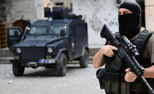 Diyarbakır'da çatışma: 1 polis hayatını kaybetti