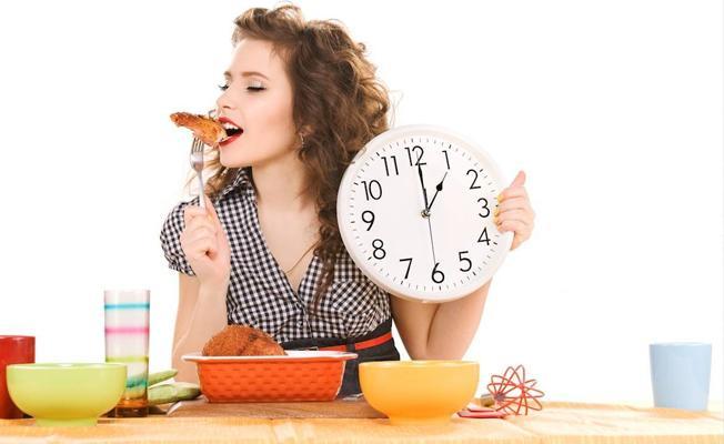 'Yanlış zamanda' beslenmek vücut ağırlığını ve gündelik ritmi etkiliyor