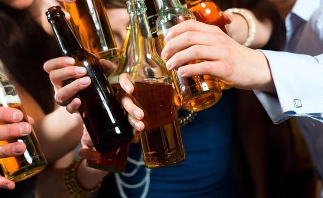 Yargıtay: İkram edilen içkiyi içmek 'ilişkiye rıza' anlamına gelmez