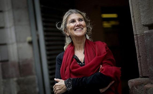 Zeynep Oral: Okumadan ödül veriyoruz
