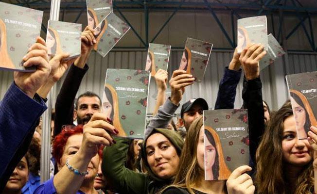 13 yazar Seher'i imzaladı: Barışa vesile olsun