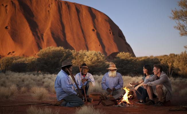 Aborjinlerin kutsal saydığı Uluru'ya tırmanmak yasaklandı