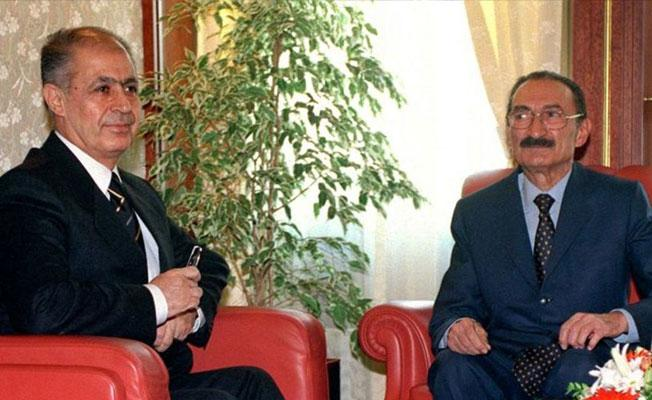 Ahmet Necdet Sezer, anayasa kitapçığını Bülent Ecevit'e neden fırlattığını açıkladı
