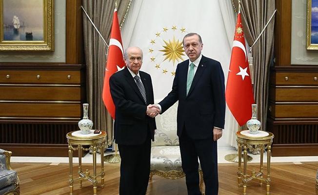 AKP- MHP ittifakında iki olasılık öne çıktı