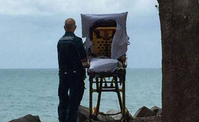 Ambulans personeli, okyanusu görmek isteyen kadının son arzusunu yerine getirdi