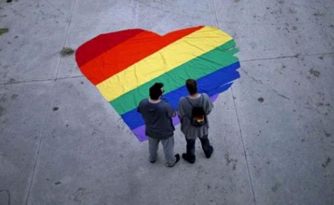 Filipinler Devlet Başkanı: Eşcinsel evliliği onaylıyorum
