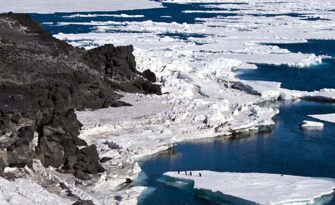 Antarktika'da buzullar 'aşağıdan' da eriyor