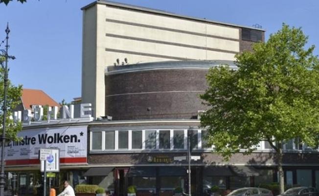 Berlinli tiyatro topluluğu İstanbul seyahatini iptal etti