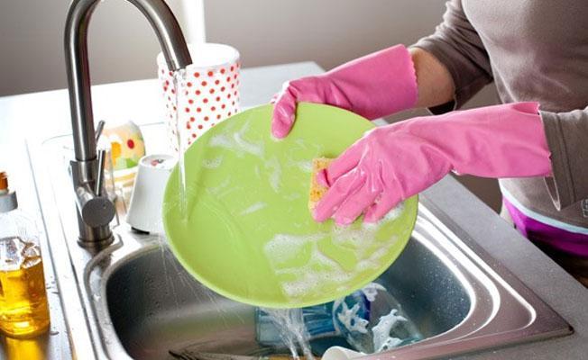 Bilim insanları açıkladı: Bulaşık, çamaşır yıkamak ömrü uzatabilir