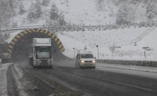 Bolu Dağı'nda TIR'ların geçişi yasaklandı