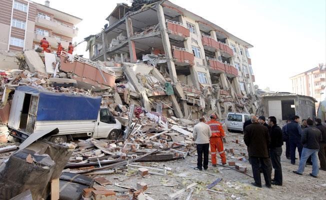 'Dünya'nın dönüş hızı yavaşladı': 2018'de büyük depremlerin sayısı artabilir