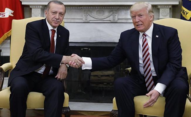FT:  Zarrab davası ABD-Türkiye ilişkilerini koparma tehlikesi taşıyor