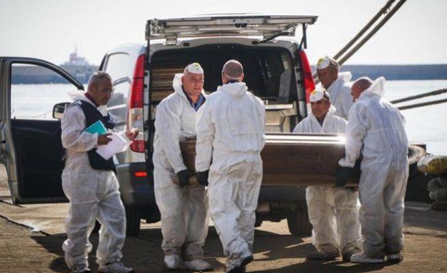 Göçmen teknesinde 26 genç kızın cesedi bulundu!