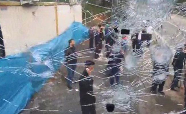 Hopa'da taraftar otobüsüne saldırı: 8 yaralı