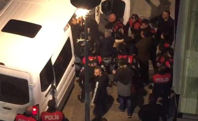 İzmir'de 5 ESP'li gözaltına alındı