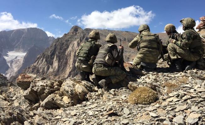 Kayalıktan düşen asker hayatını kaybetti