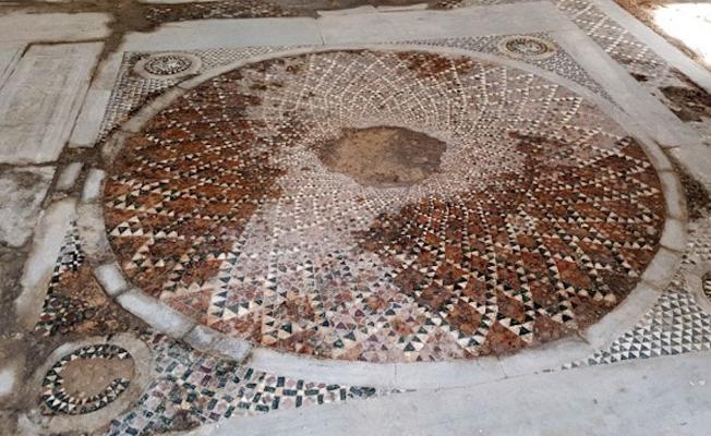 Kiliseden camiye dönüştürülen yapıda 1600 yıllık mozaikler ortaya çıktı