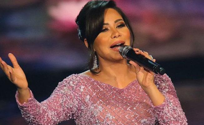 Mısırlı şarkıcıya 'Nil Nehri'yle dalga geçtiği için' sahne yasağı